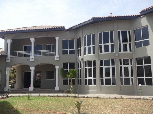 Modern Unfurnished villa for rent Kerr Serign Gambia houses for rent