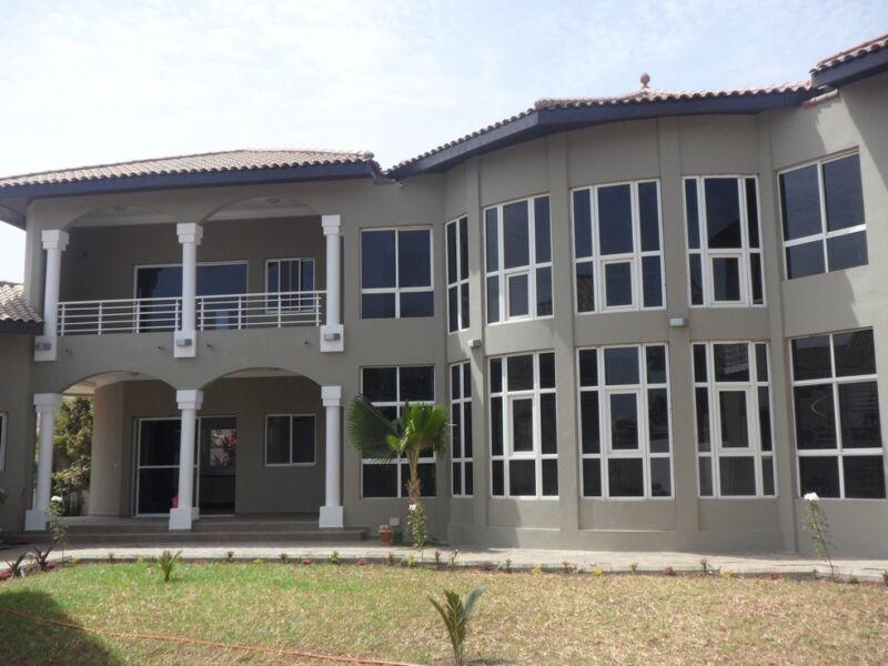 Unfurnished villa for rent in Kerr Serign $18,000