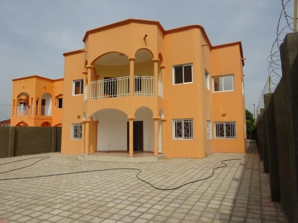 4 bed house for rent Gambia