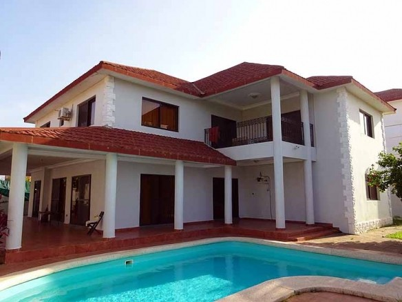 Villa With Pool In Brufut Gardens For Rent